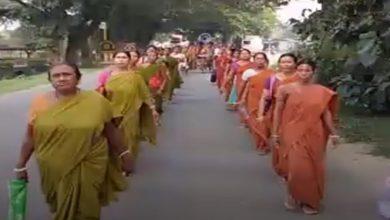 Photo of অঙ্গনওয়াড়ি কর্মীদের স্মার্টফোন ব্যবহার বাধ্যতামূলক হচ্ছে