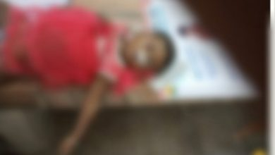 Photo of মর্মান্তিক! মাতলায় ভুটভুটি ডুবে মৃত তিন বছরের শিশু, নিখোঁজ আরও ১