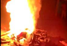 Photo of গভীর রাতে পথ দুর্ঘটনায় জখম তিন, উত্তেজিত জনতা আগুন ধরালো বাইকে