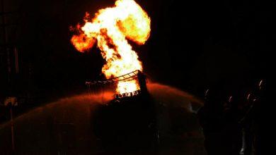 Photo of আগুনে ভষ্মীভূত গ্যাস সিলিন্ডার ভর্তি লরি, ধ্বংসস্তূপে পরিণত যাত্রী প্রতীক্ষালয়