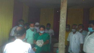 Photo of ব্যবসায়ী সমিতির উদ্যোগে পঁচিশ টাকা কেজি দরে আলু বিক্রি