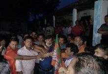 Photo of ব্যপক দলবদল! দিনহাটা গ্রাম পঞ্চায়েতে তৃণমূল ছেড়ে ৪০ টি পরিবারের বিজেপিতে যোগদান