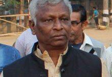 Photo of প্রয়াত রাজ্য বিধানসভার ডেপুটি স্পিকার, ঝাড়গ্রামের বিধায়ক ডাক্তার সুকুমার হাঁসদা