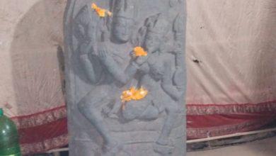 Photo of রায়নায় উদ্ধার হওয়া পাল, সেন আমলের উমা মহেশ্বর মূর্তি স্থান পেতে চলেছে বর্ধমান বিশ্ববিদ্যালয়ে