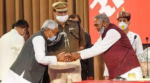Photo of সপ্তমবারের জন্য বিহারের মসনদে নীতীশ, কারা রয়েছেন JDU-BJP ক্যাবিনেটে?