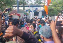 Photo of 'উঠল আওয়াজ বঙ্গে, খুনি ধর্ষণকারি মাফিয়া, কাটমানি খোর ও চাল চোররা দিদির সঙ্গে': লকেট